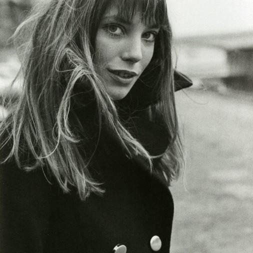 Sylvie in the Sky / Winter Style Guide / 8 Classic Coats It Girls Love / Jane Birkin / Navy Coat
